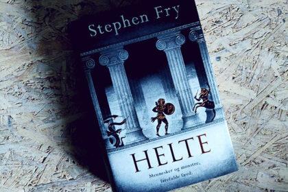 Boganmeldelse - Helte af Stephen Fry