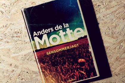 Boganmeldelse - Sensommerjagt af Anders de la Motte