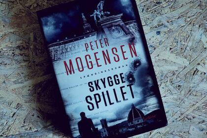 Boganmeldelse - Skyggespillet af Peter Mogensen