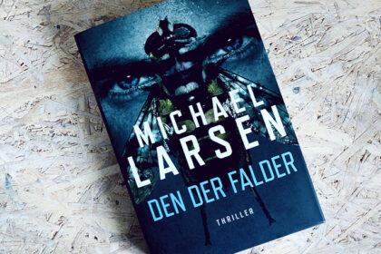 Boganmeldelse - Den der falder af Michael Larsen