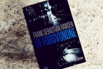 Anmeldelse af De forsvundne af Frank Sebastian Hansen