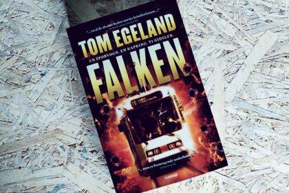 Anmeldelse af Falken af Tom Egeland